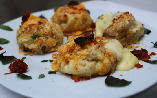 Stuffed Cheesy Pizza Balls
